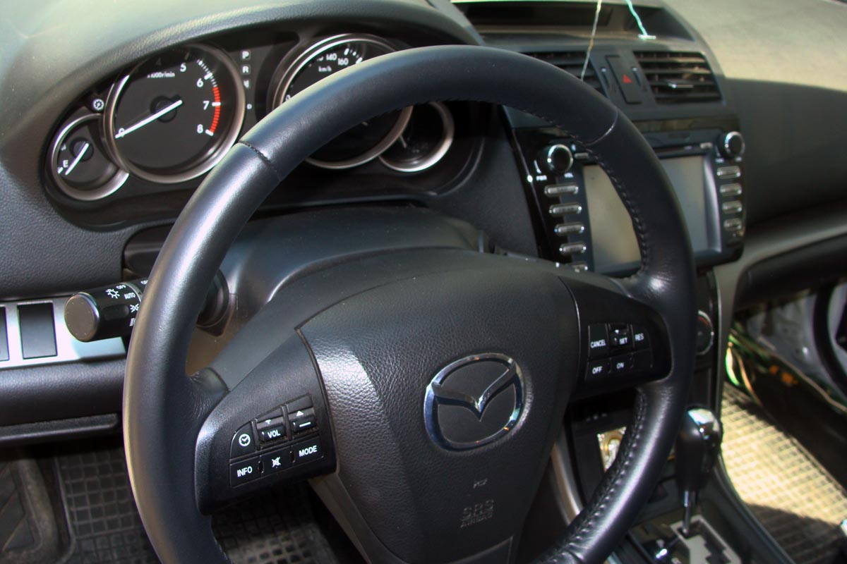 Реставрация кожаного руля в Mazda 6 - результат